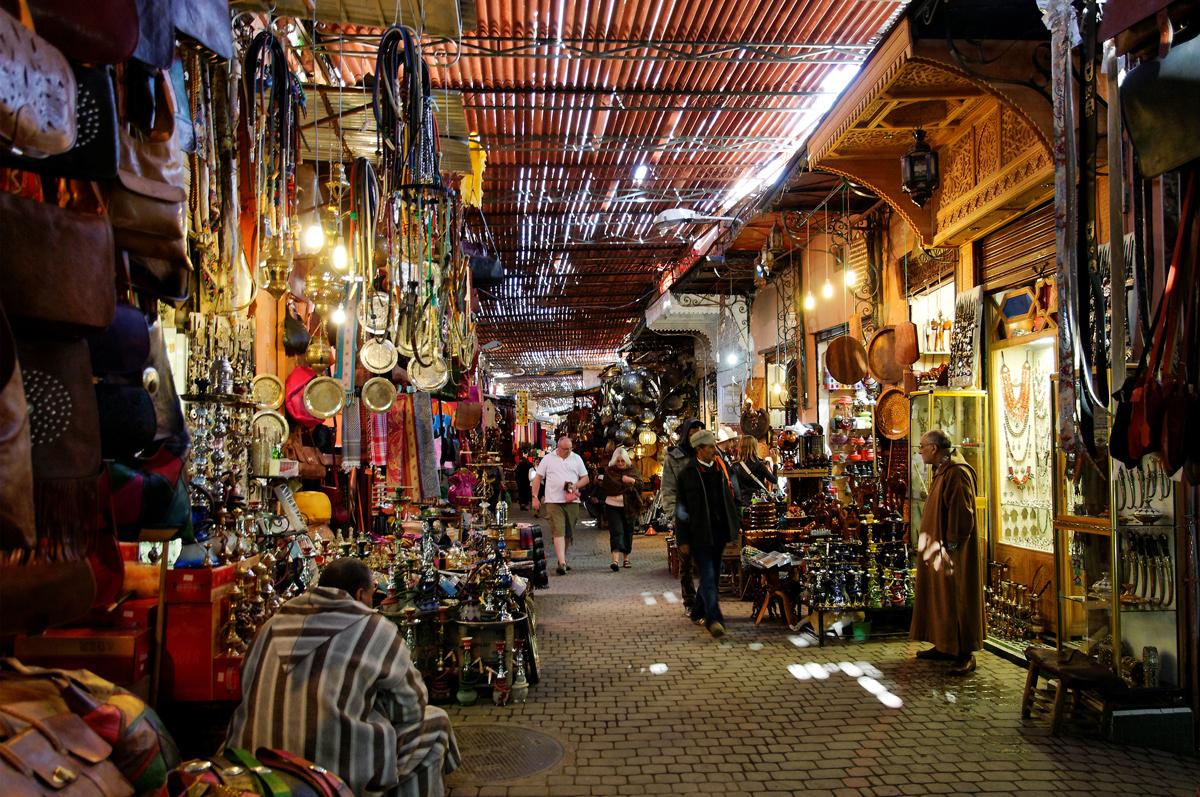 Jemaa El Fna Tombeaux Saadiens Souk à Marrakech