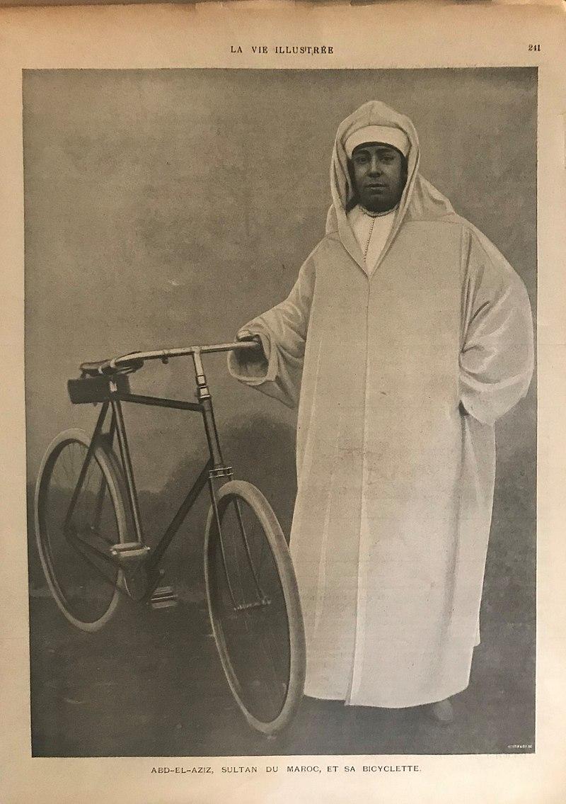 La Vie illustrée Abd el Aziz, Sultan du Maroc, et sa bicyclette